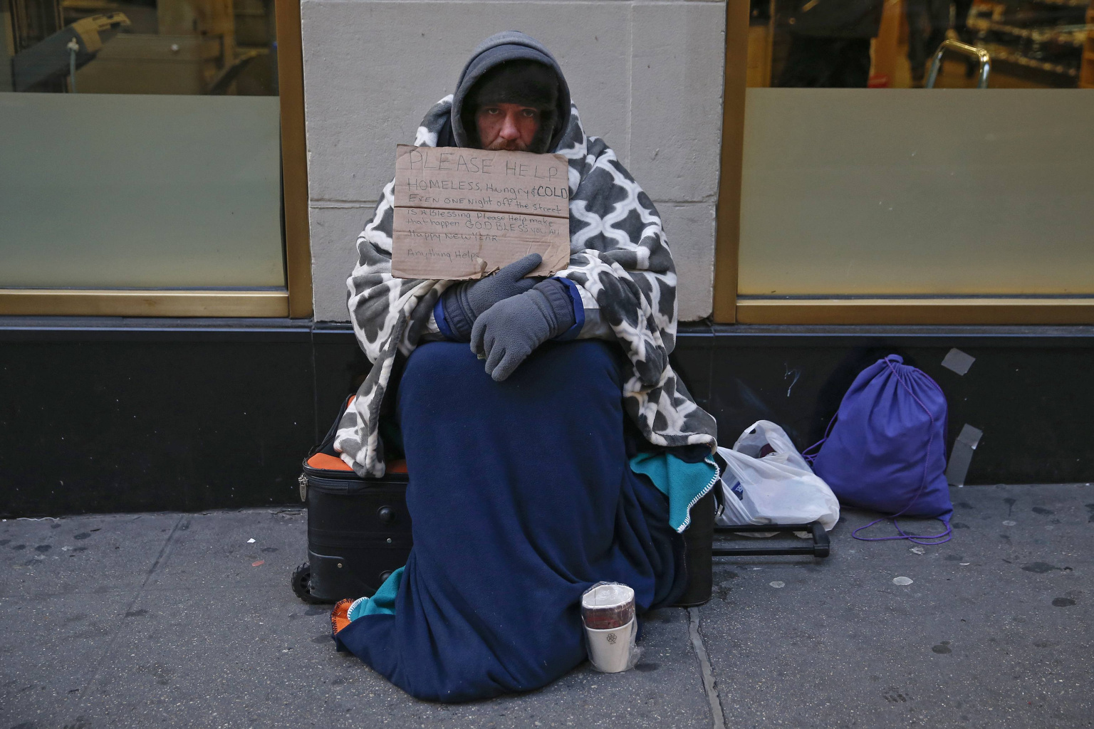 How do I write a narrative essay about a homeless person?